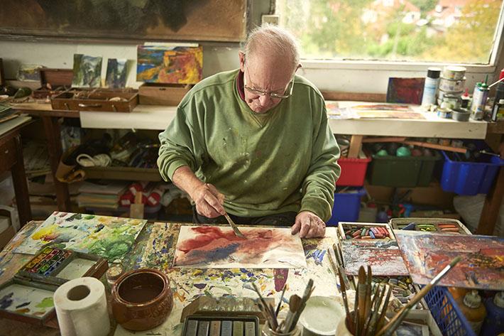 Peter Hicks in his studio (c) VisitBritain VisitEngland