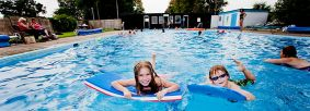 Helmsley outdoor swimming pool by Chris J Parker