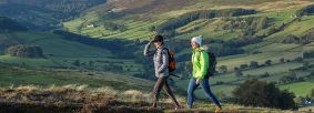 Walking in the North York Moors (c) VisitBritain Images